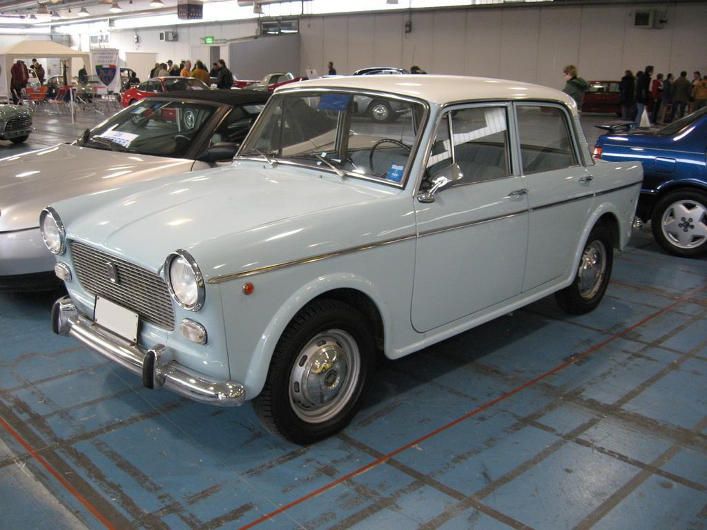 1963 mit kantiger Front und