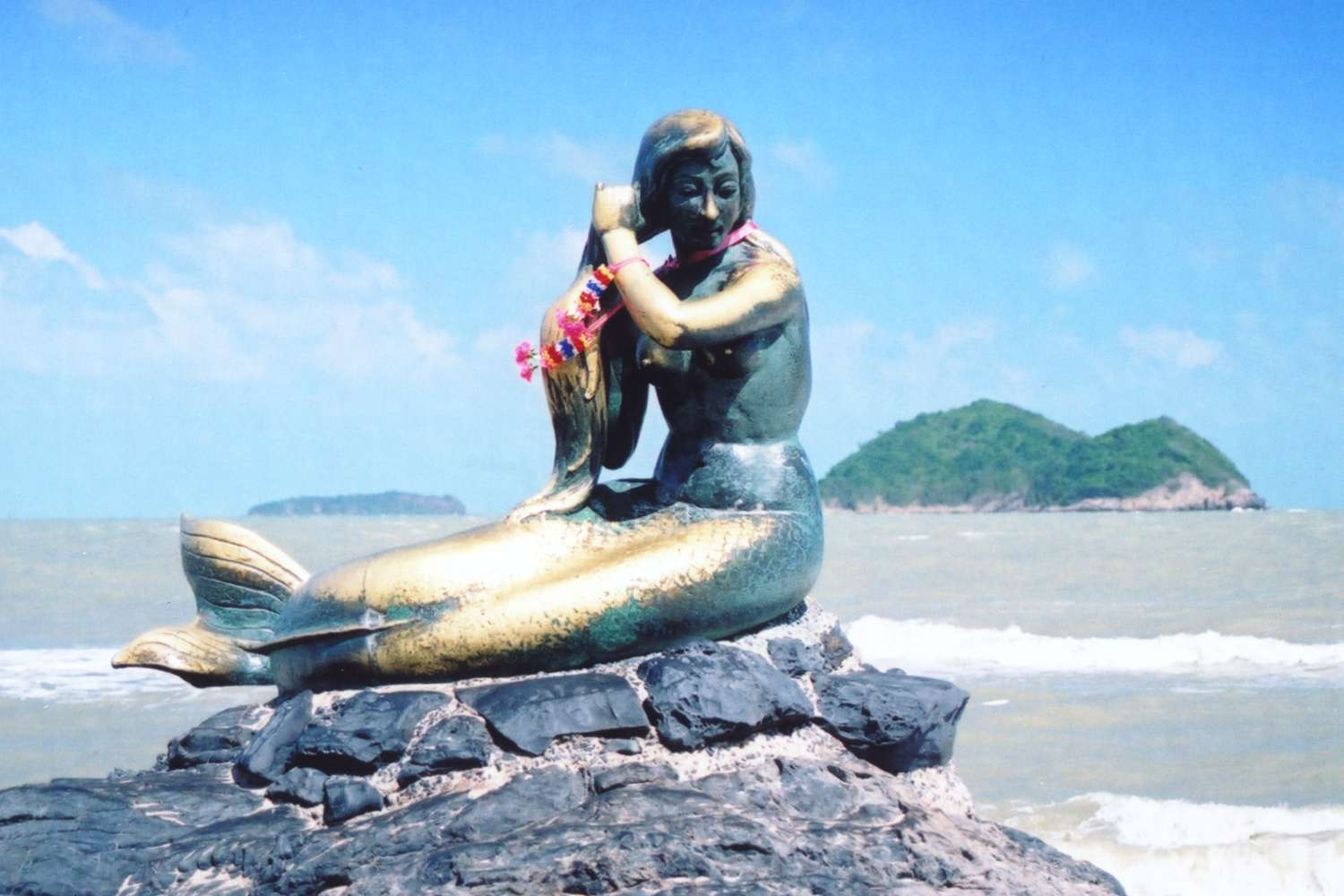 http://de.academic.ru/pictures/dewiki/115/songkhla_mermaid.jpg