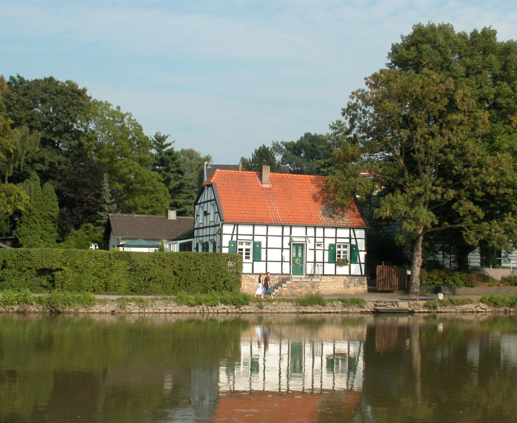 Ehemalige - English translation - German-English dictionary