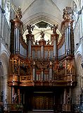 St omer cathedrale orgue.JPG