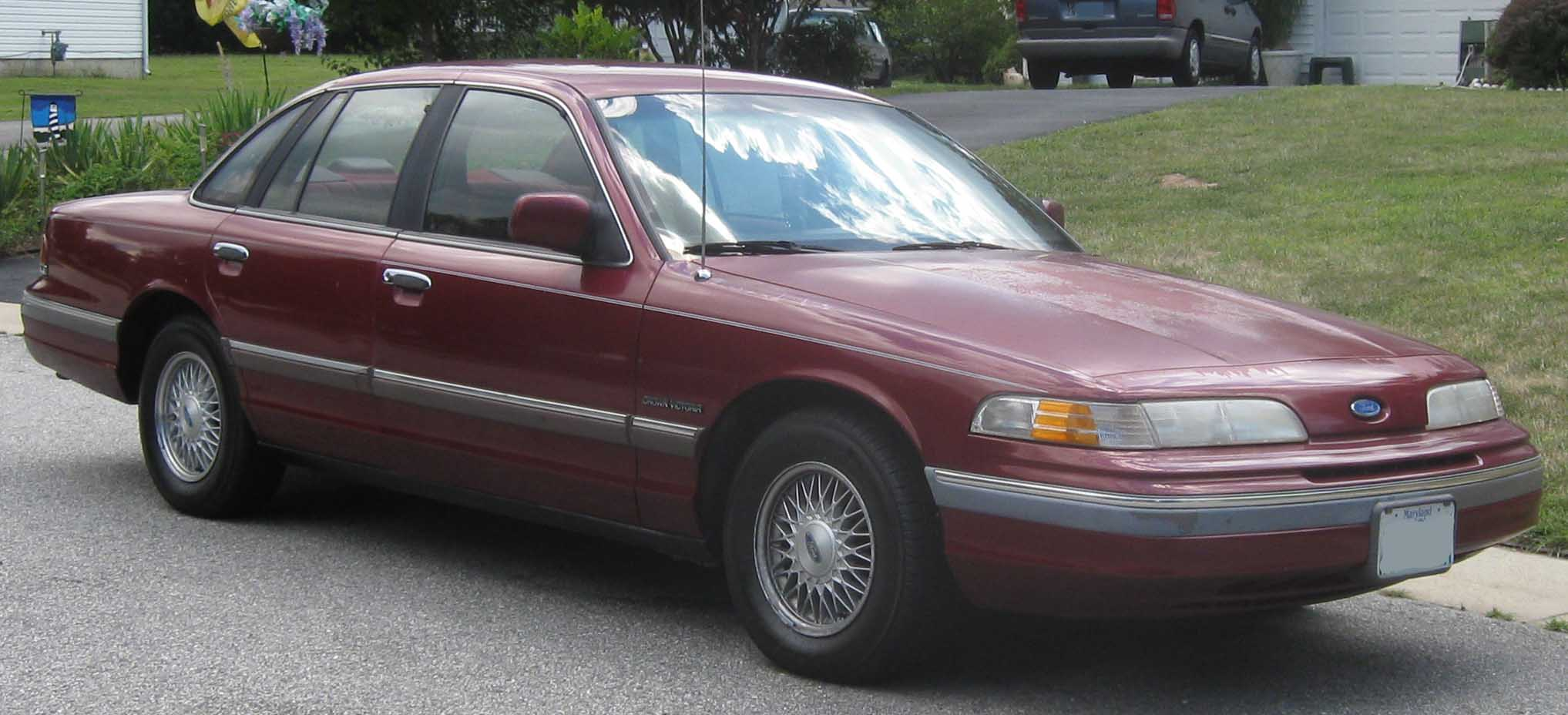 Ford Crown Victoria, 1992–1997