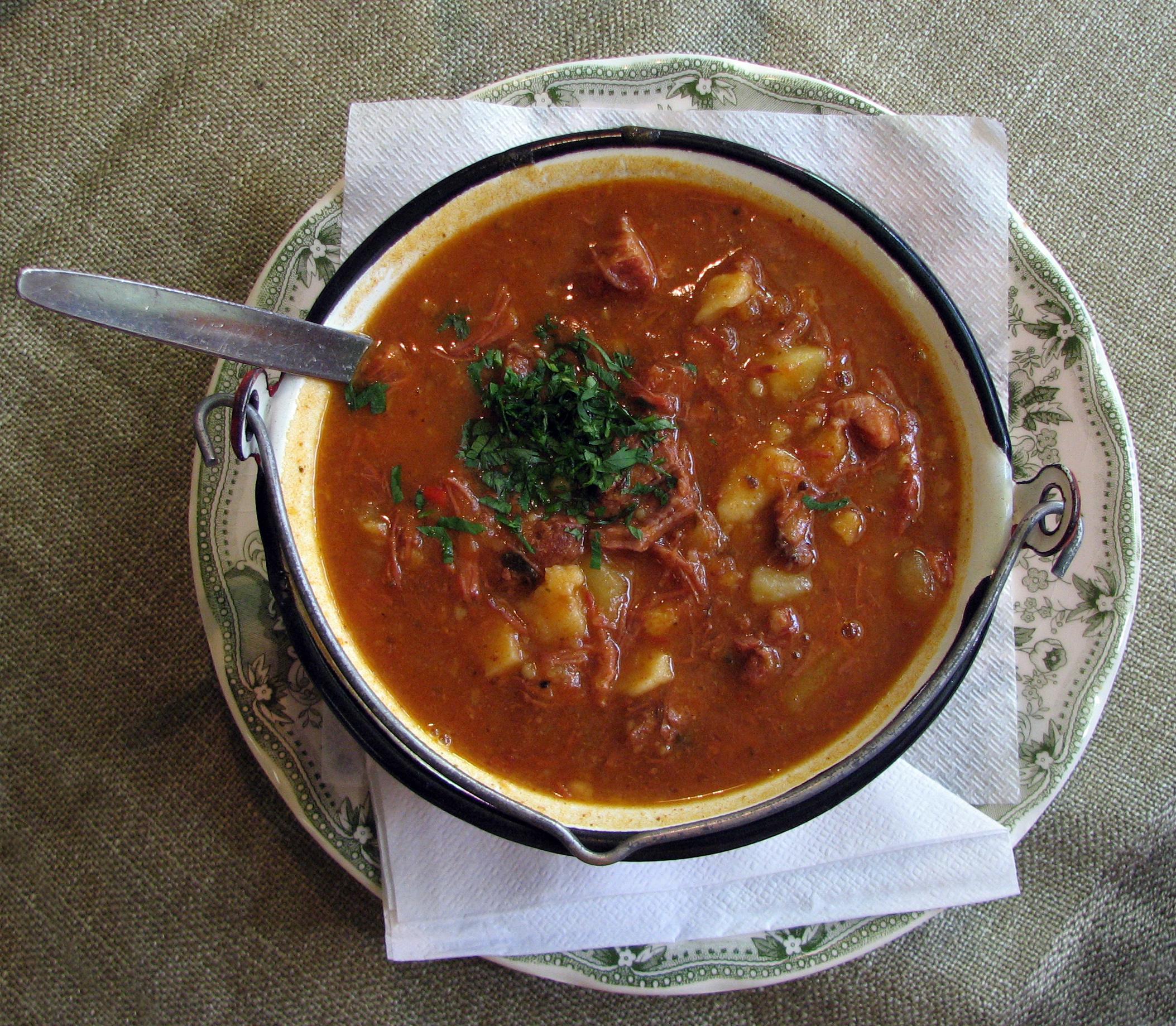 Gulasch for Ungarisches gulasch