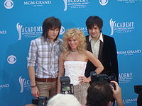 The Band Perry (von links nach rechts: Reid, Kimberly, Neil Perry)