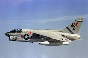 "Eine A-7E ""Corsair II"" der USS Kitty Hawk 1981"
