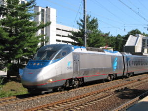Acela Express Nr. 2000 in der BWI Rail Station am 16. September 2003.