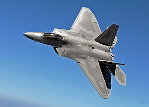Eine F-22 des 27th Fighter Wing nahe der Langley AFB
