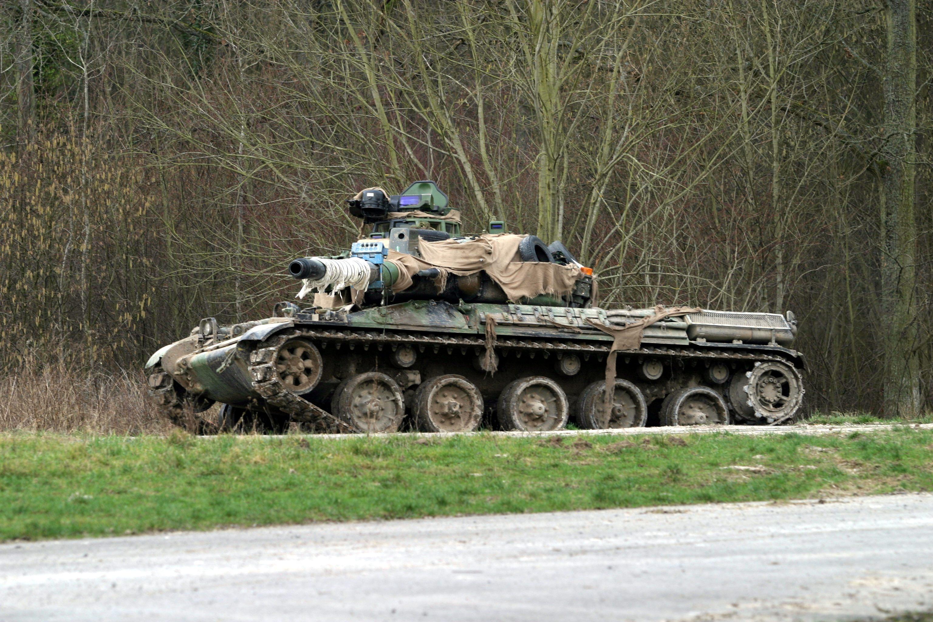 http://de.academic.ru/pictures/dewiki/65/AMX-30.JPG