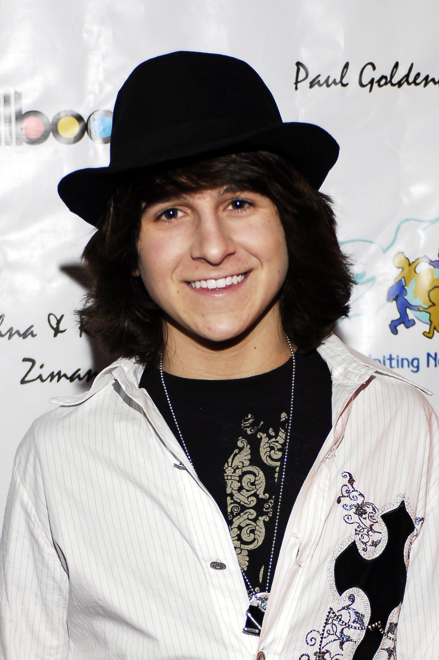 http://de.academic.ru/pictures/dewiki/65/Academy_Awards_afterparty_CUN_Mitchell_Musso.jpg