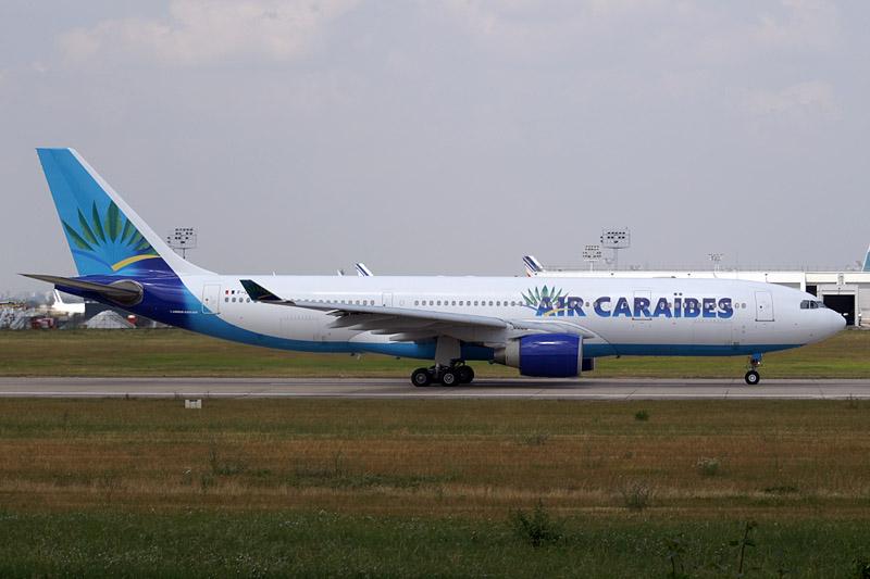 Air_Caraibes_A330_F-OFDF.jpg