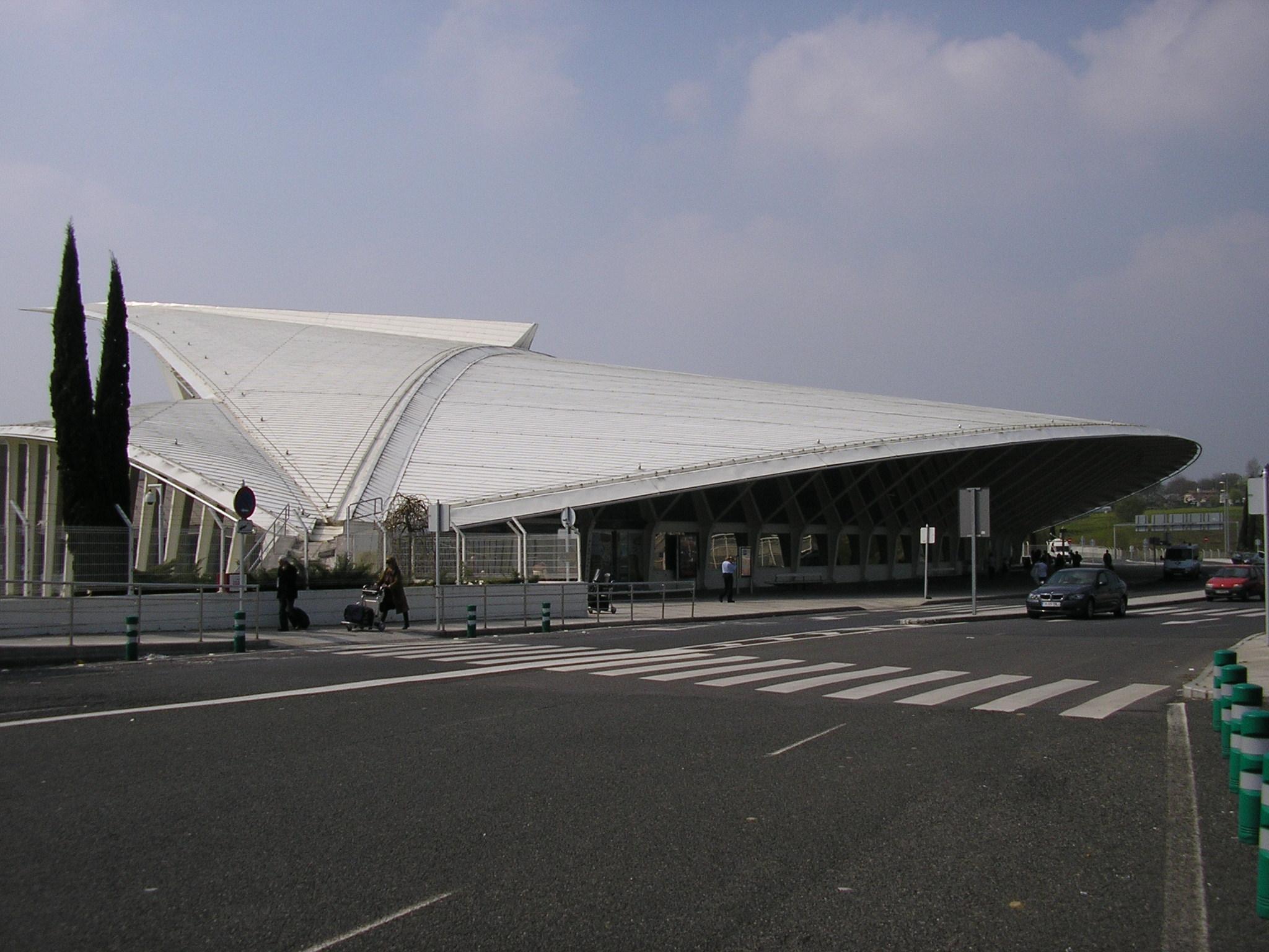 Aeroporto Bilbao : Aeropuerto de bilbao