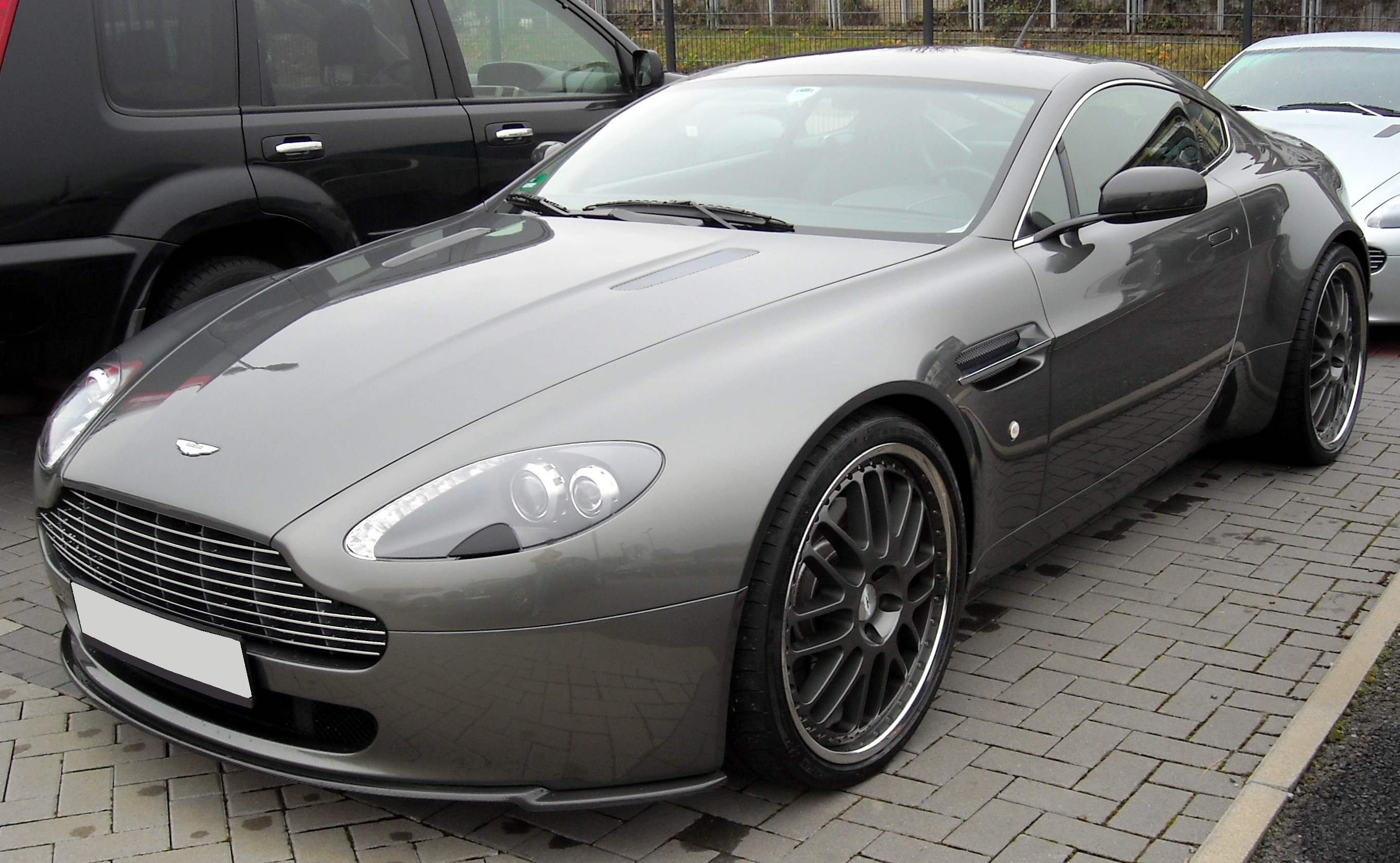 aston martin amv8 vantage. Black Bedroom Furniture Sets. Home Design Ideas