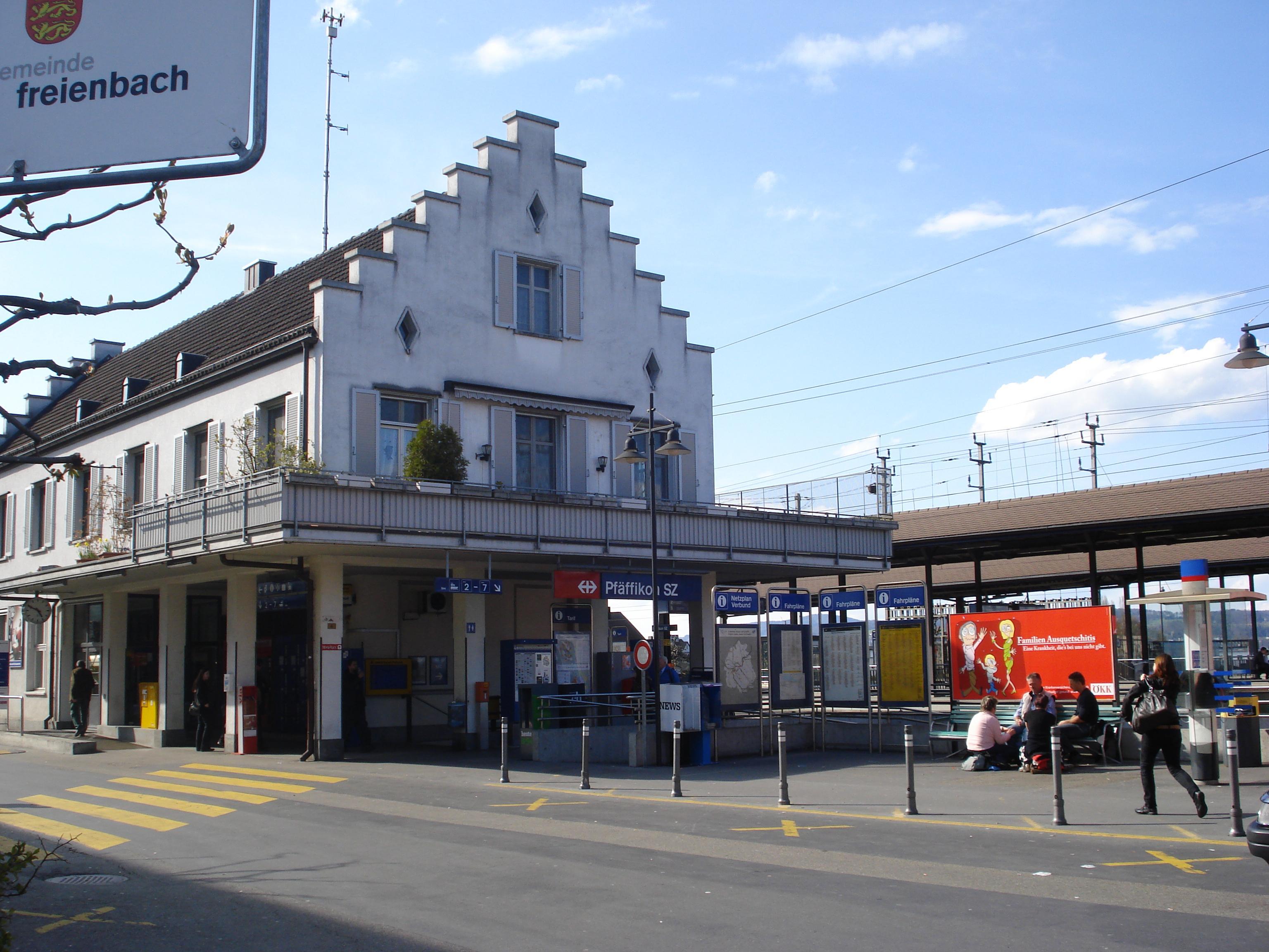 Bahnhof Pfäffikon