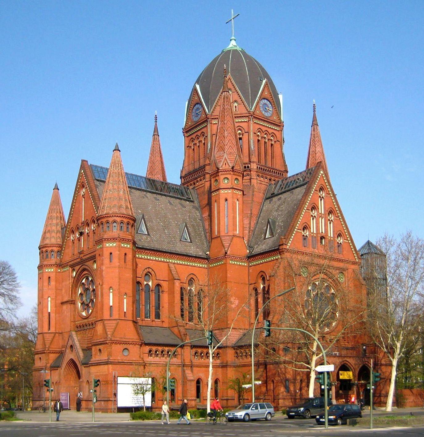 Heilig-Kreuz-Kirche (B...