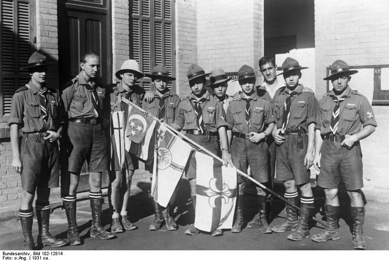 Deutscher Scout bumst schwarze Buschfotze