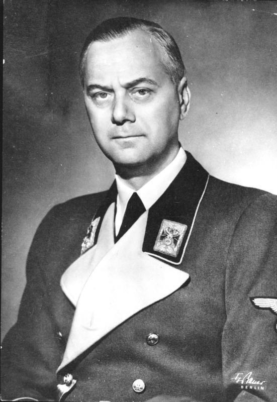 http://de.academic.ru/pictures/dewiki/66/Bundesarchiv_Bild_183-1985-0723-500__Alfred_Rosenberg.jpg