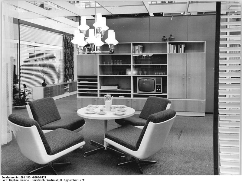 1970er. Black Bedroom Furniture Sets. Home Design Ideas