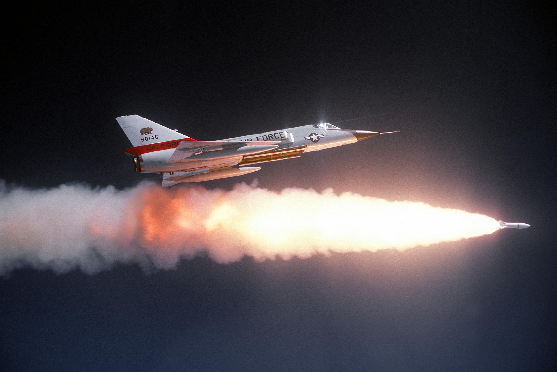 http://de.academic.ru/pictures/dewiki/67/Convair_F-106A_Delta_Dart_1.jpg