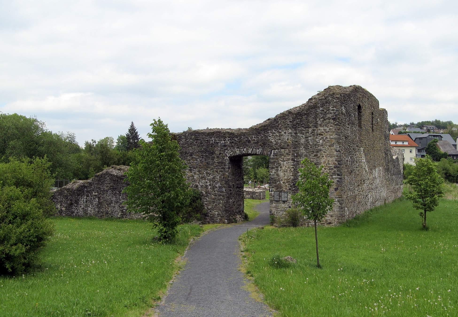 junkernschloss auch unterburg driedorf driedorf 1200 1300 t ...