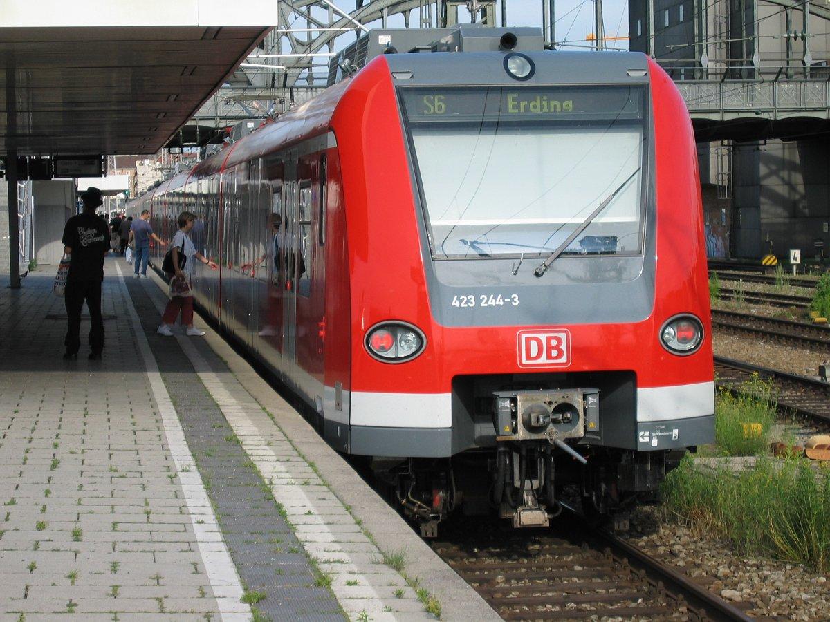 transport til hamborg lufthavn plenti reklame