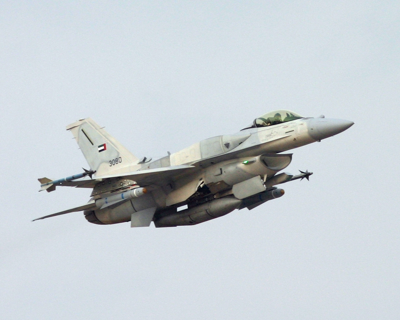 韓国 「日本が新型F-35で、韓国は退役F-15を新規購入ってどういうことだよ!!」