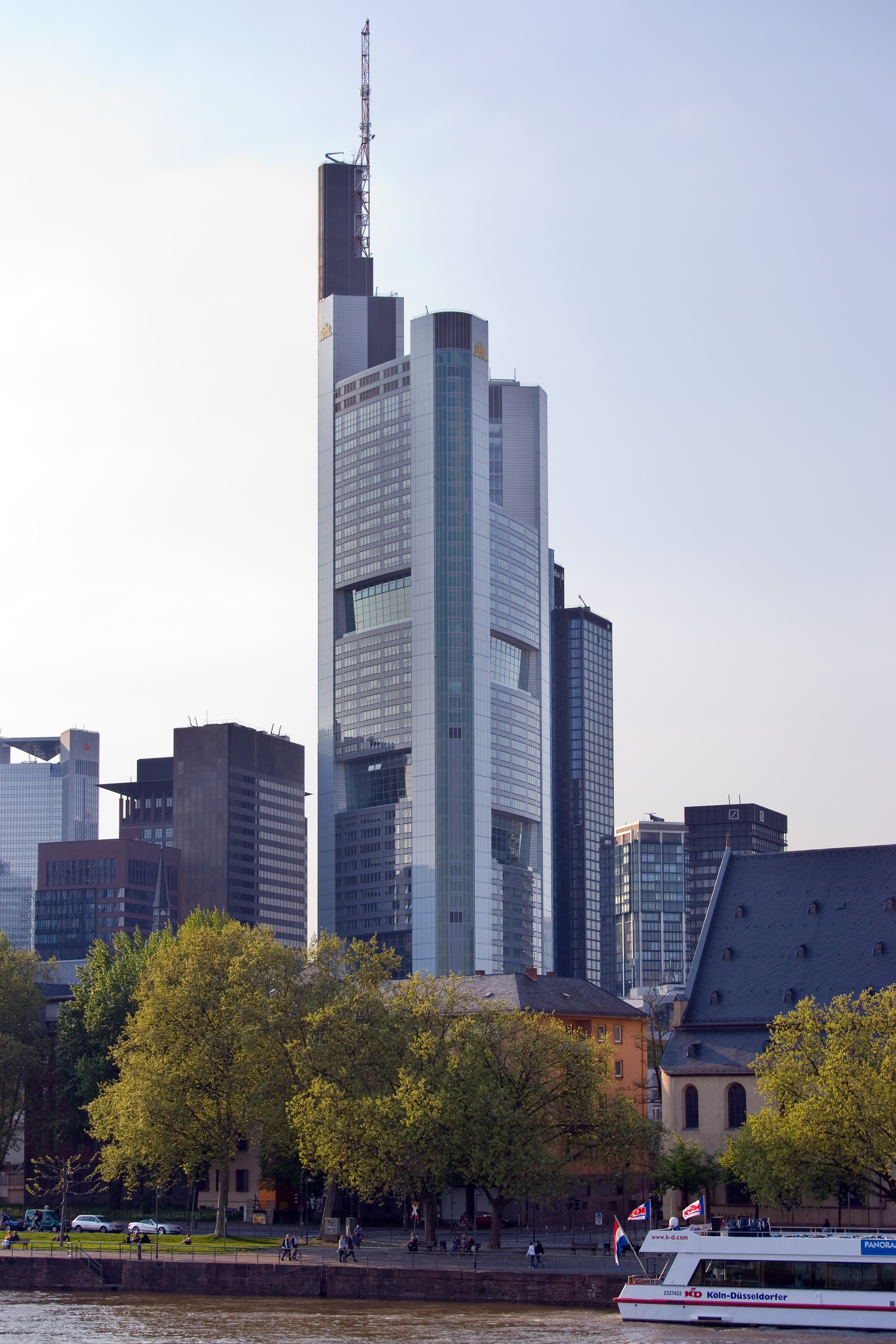 Frankfurt_Am_Main-Commerzbank_Tower-Ansi
