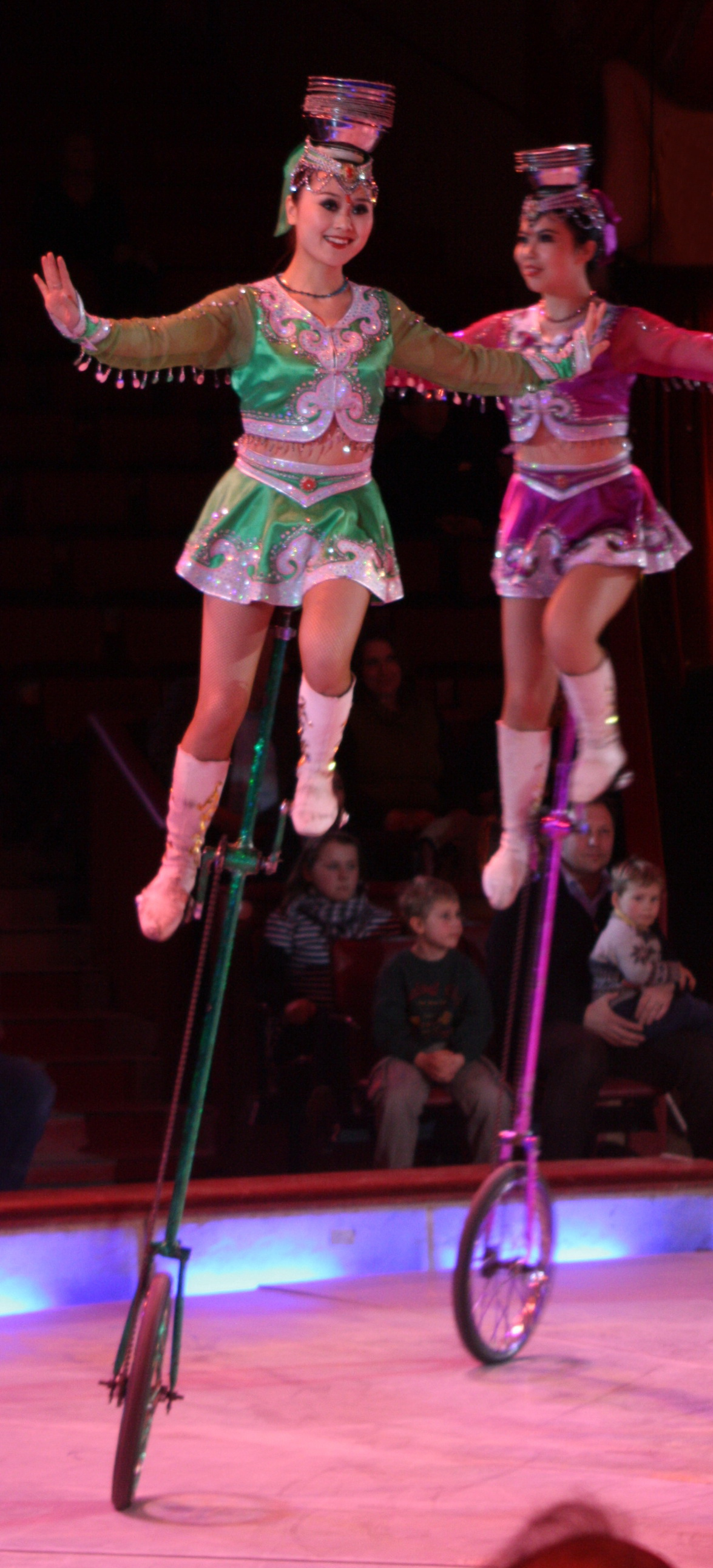 Flirten im zirkus übersetzung