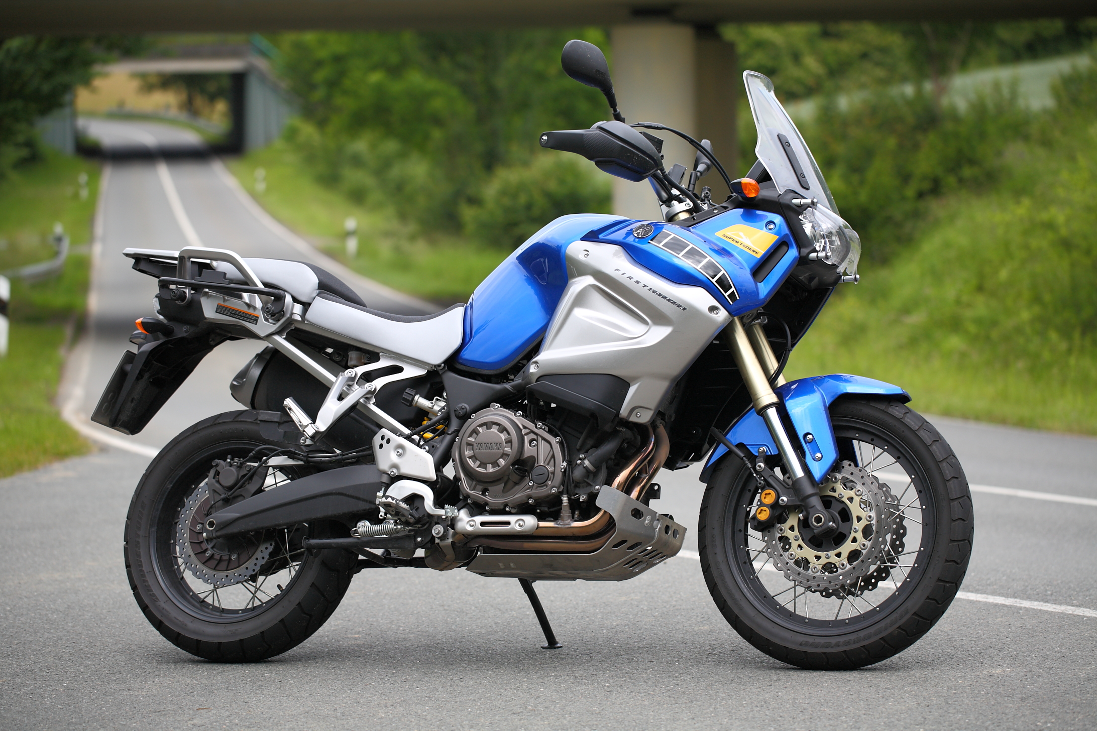 Yamaha XT 1200 Z SUPER TENERE Silver One owner SAVE £200