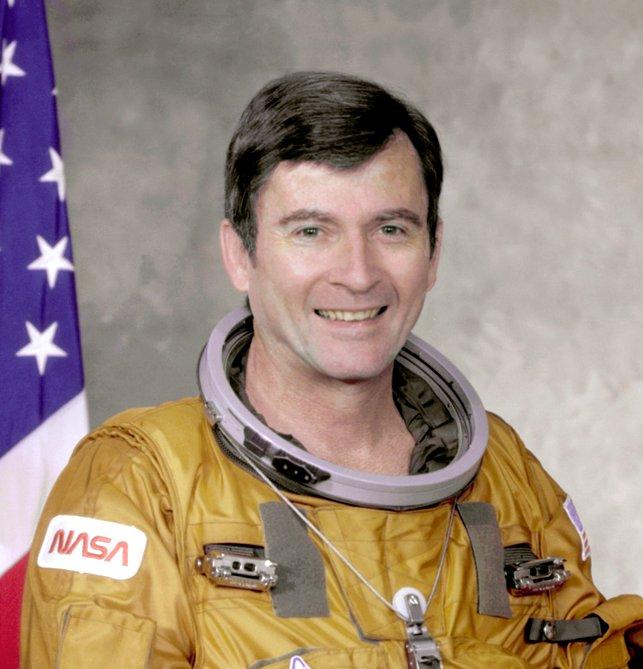 John_Young_(STS-1).jpg