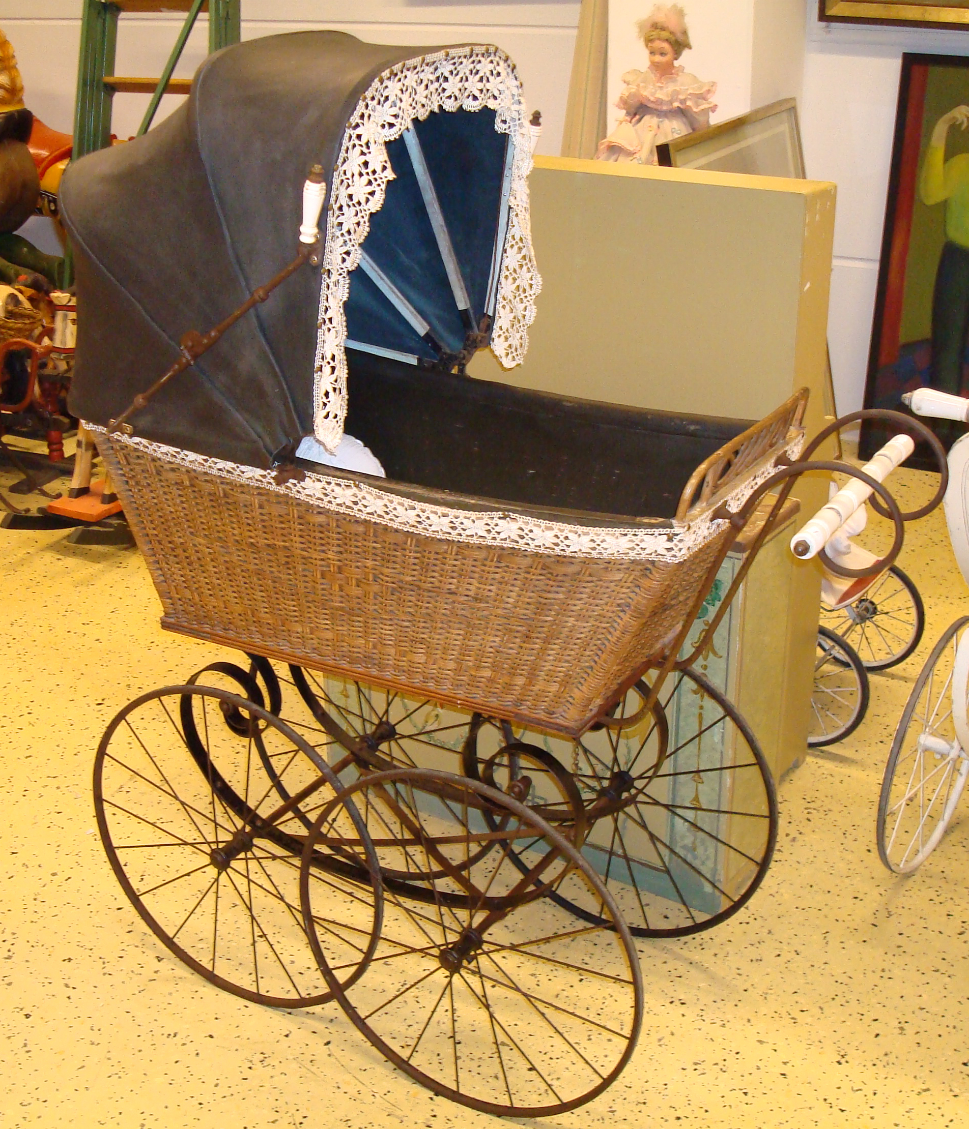 Dolls Old Fashioned Prams
