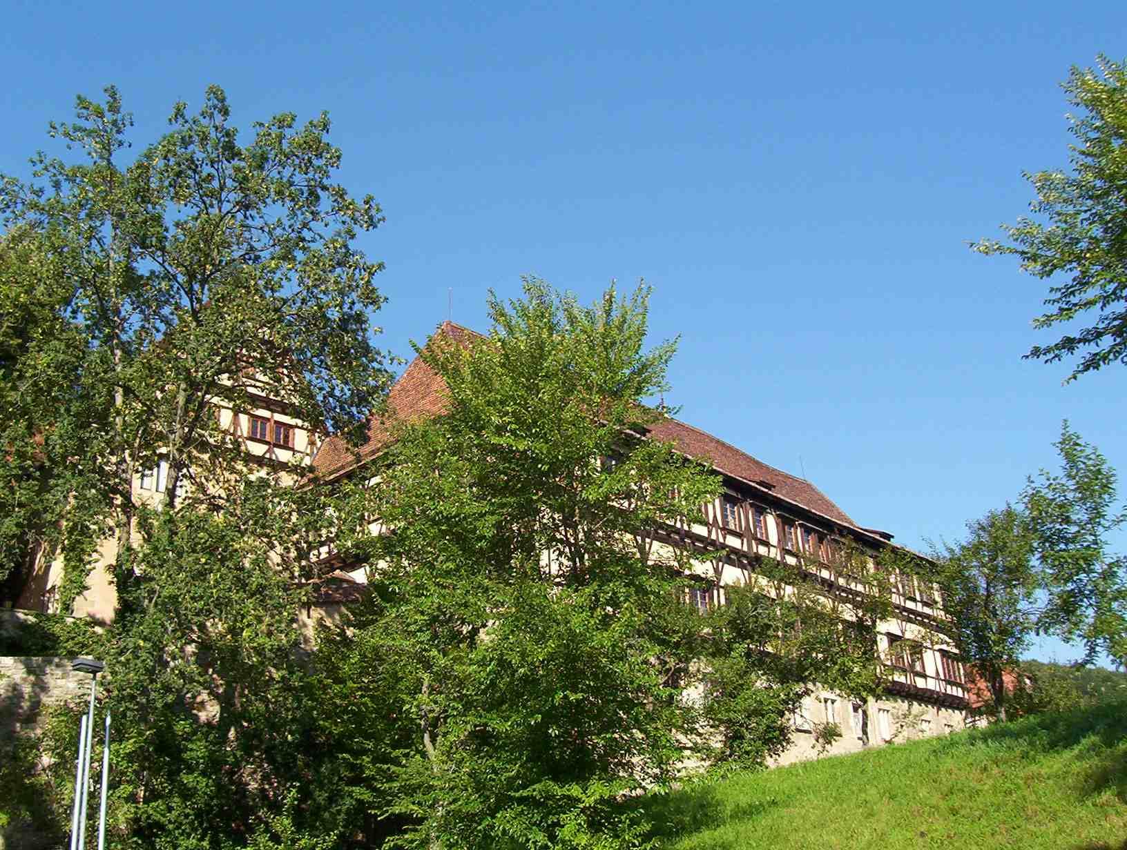 http://de.academic.ru/pictures/dewiki/75/Kloster_Bebenhausen_Aussen.jpg