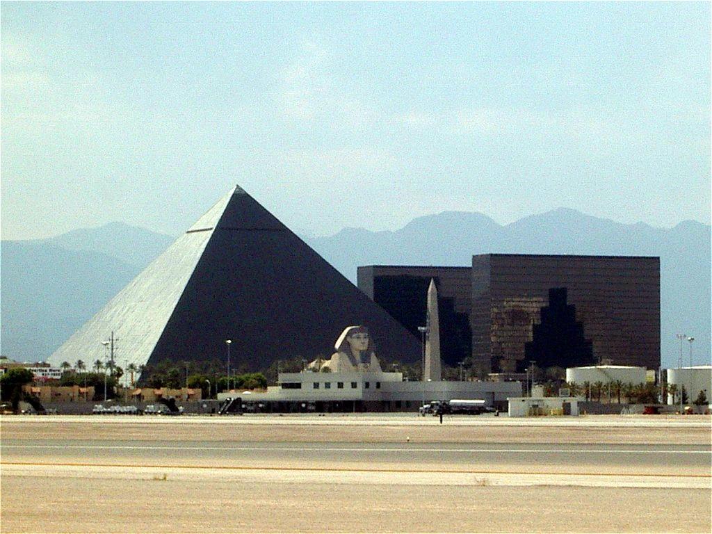 kasino pyramide