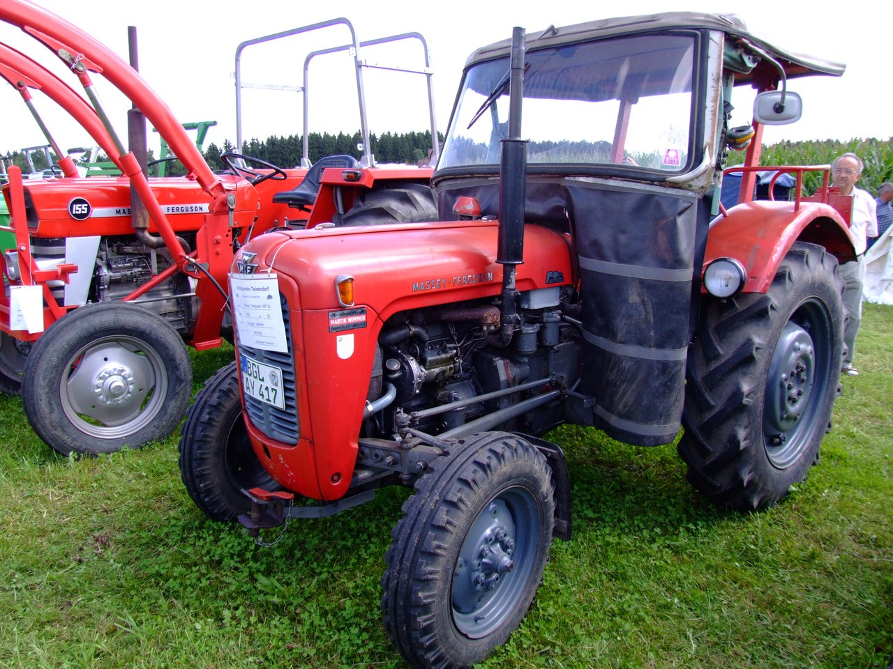 Massey Ferguson 2400 : Ferguson traktor