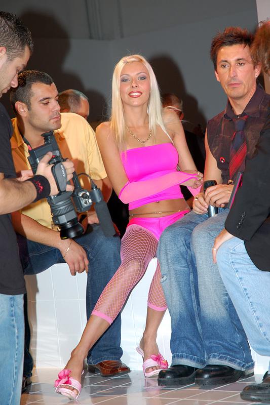 Nikky Blond Nude Photos 46