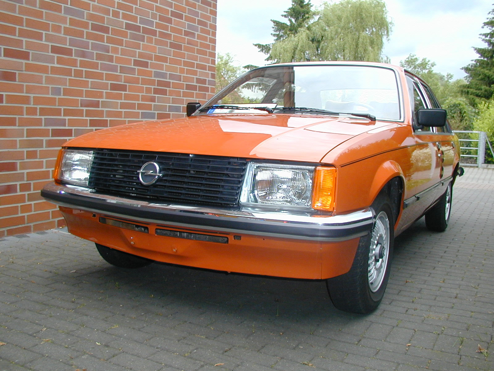 1982 opel rekord berlina related infomation specifications. Black Bedroom Furniture Sets. Home Design Ideas
