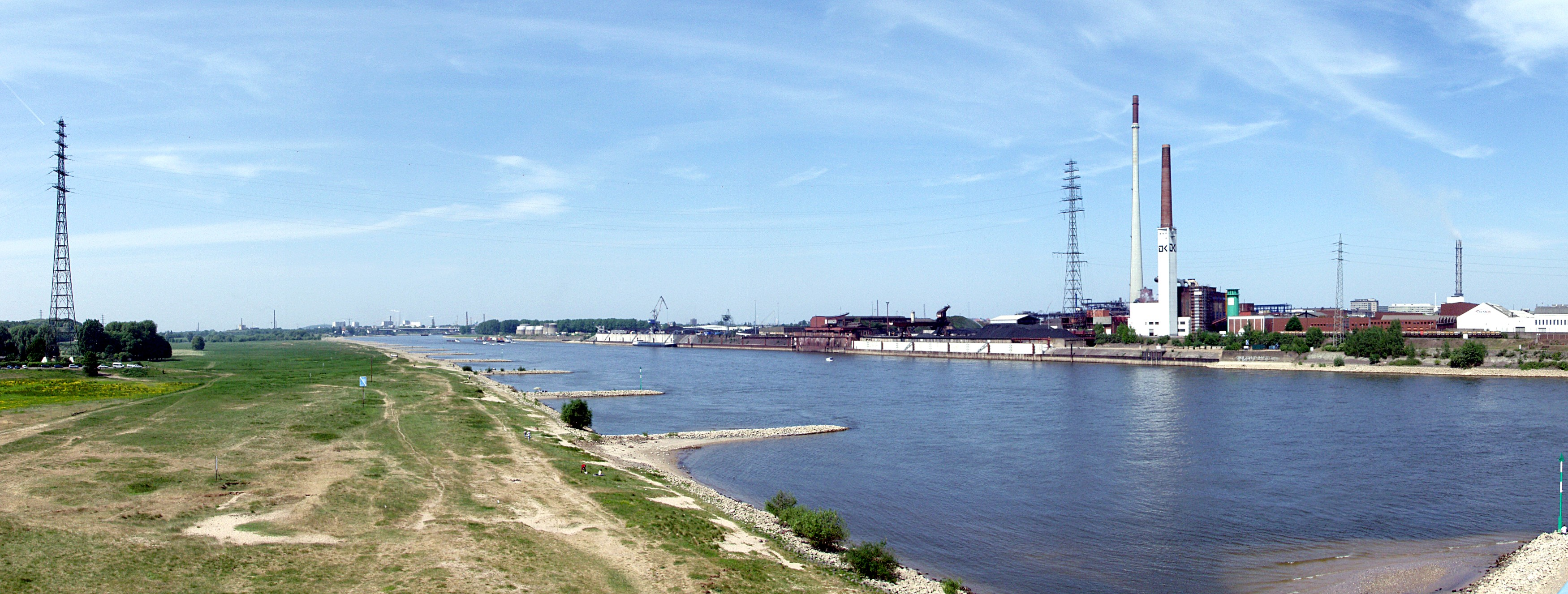 Rheinpanorama_Duisburg_Rheinhausen.jpg
