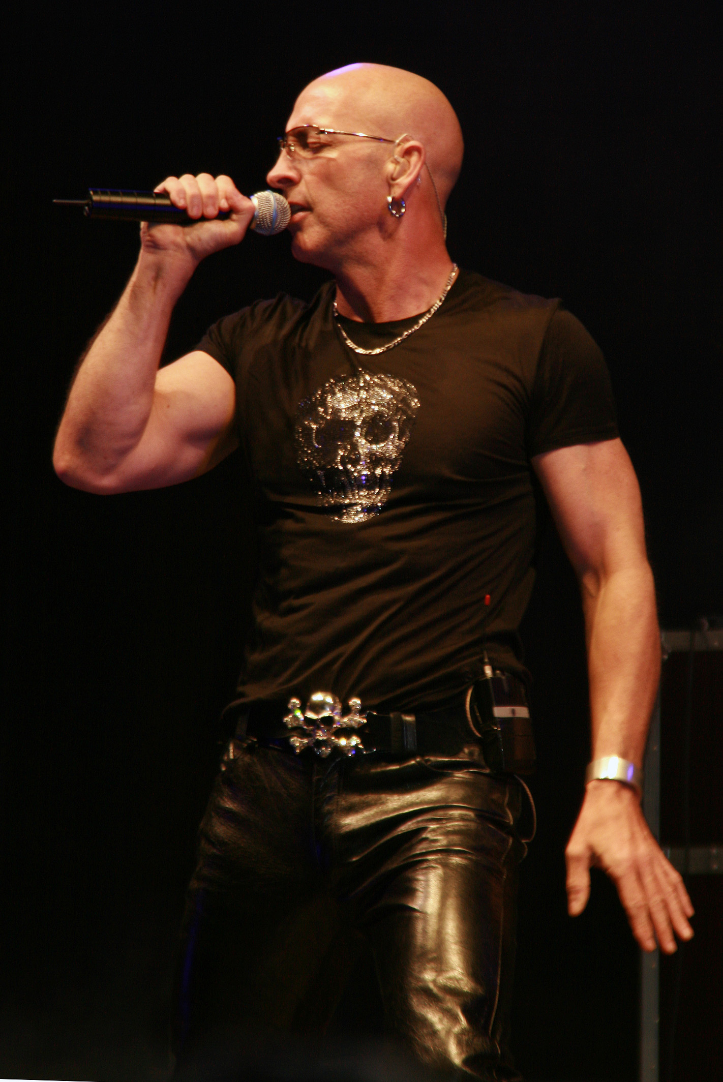 fred singles over 50 I'm too sexy is the debut song by british group right said fred the single peaked at number two on the uk singles chartoutside the united kingdom, i'm too sexy topped the charts in six countries, including australia, ireland, and the united states.
