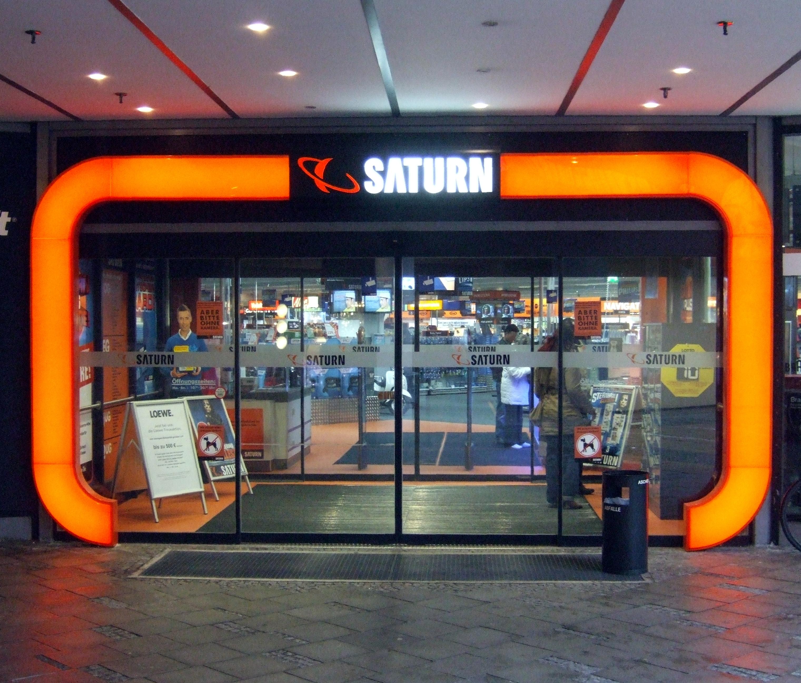 Saturn Geschäft