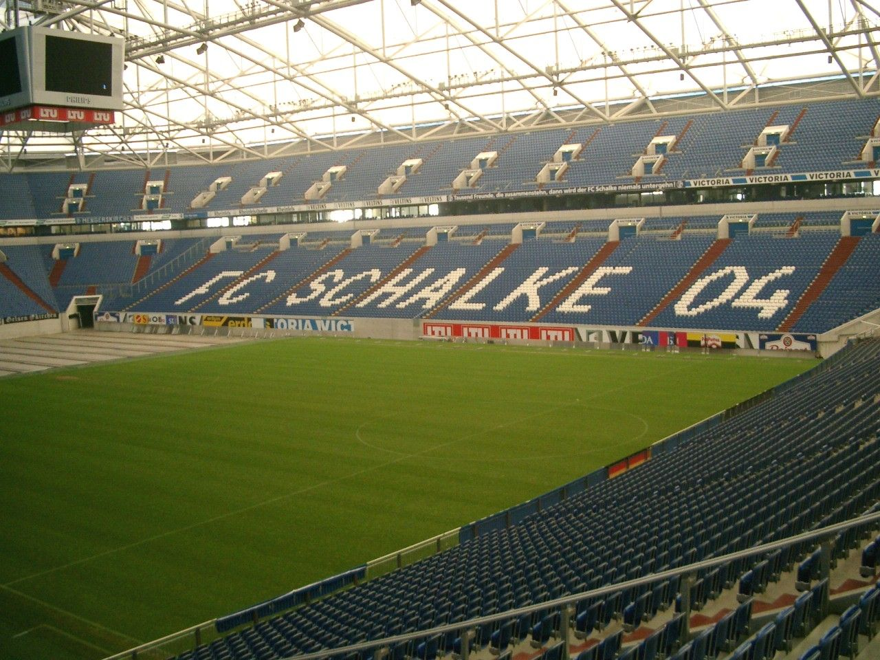 arena auf schalke. Black Bedroom Furniture Sets. Home Design Ideas