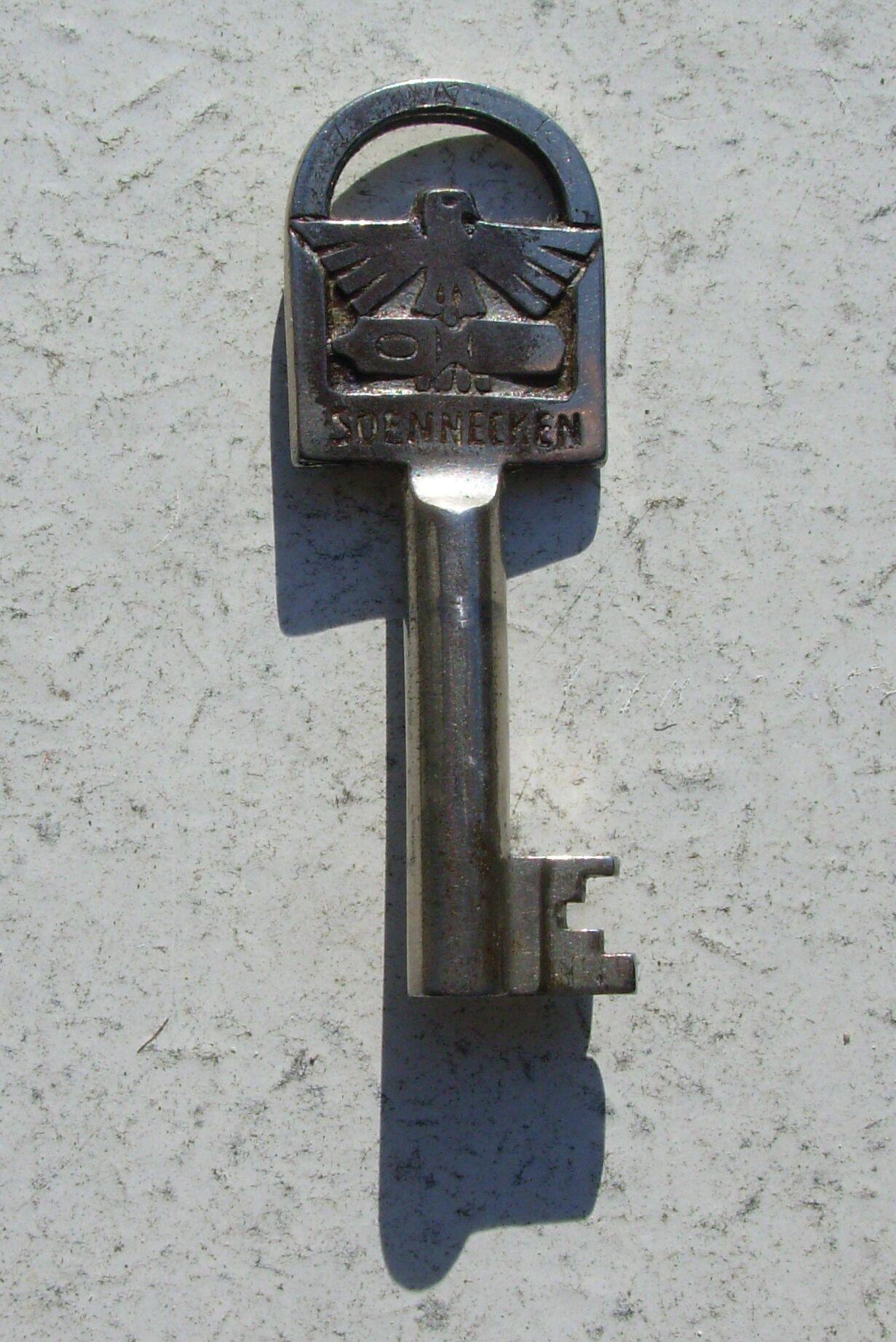 Schlüssel eines soennecken schreibtischs von 1935