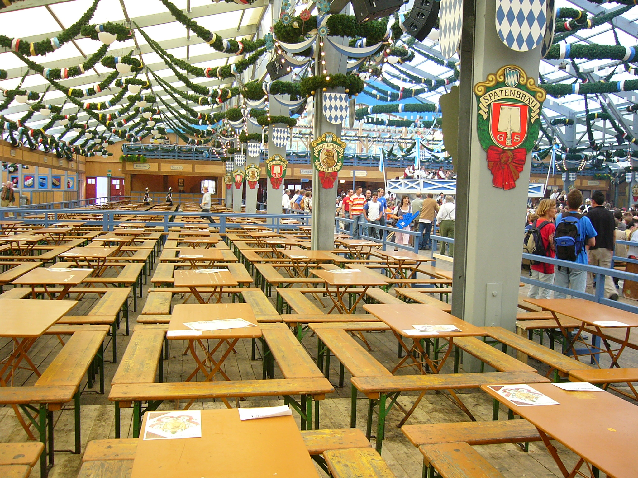 Paulaner festhalle for Festzelt dekoration