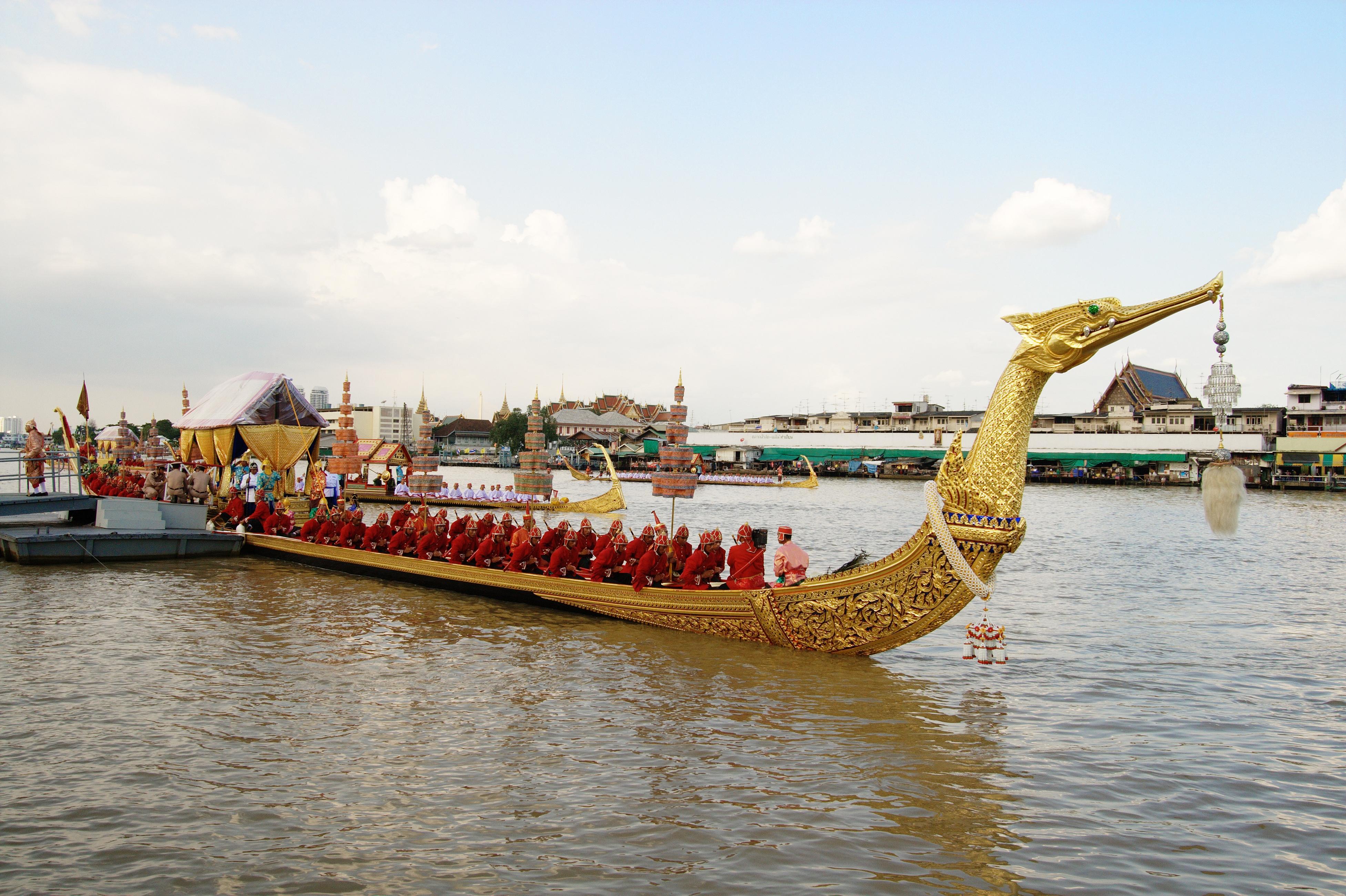 royal thai umeå eskort