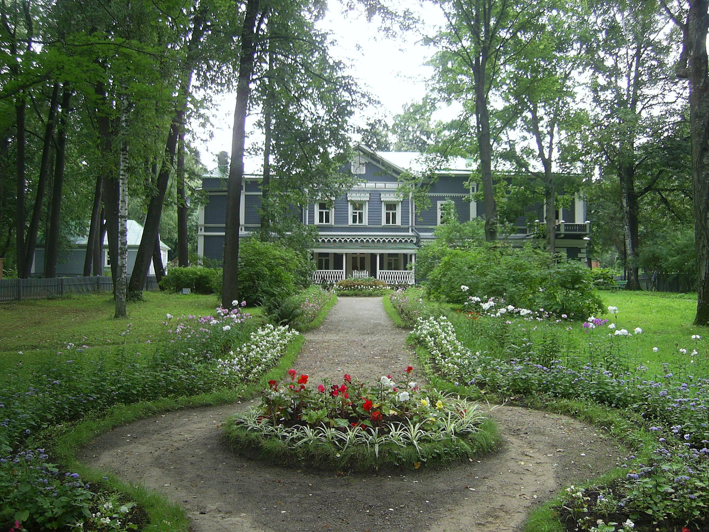 Здесь провел свои последние годы великий композитор П.И. Чайковский