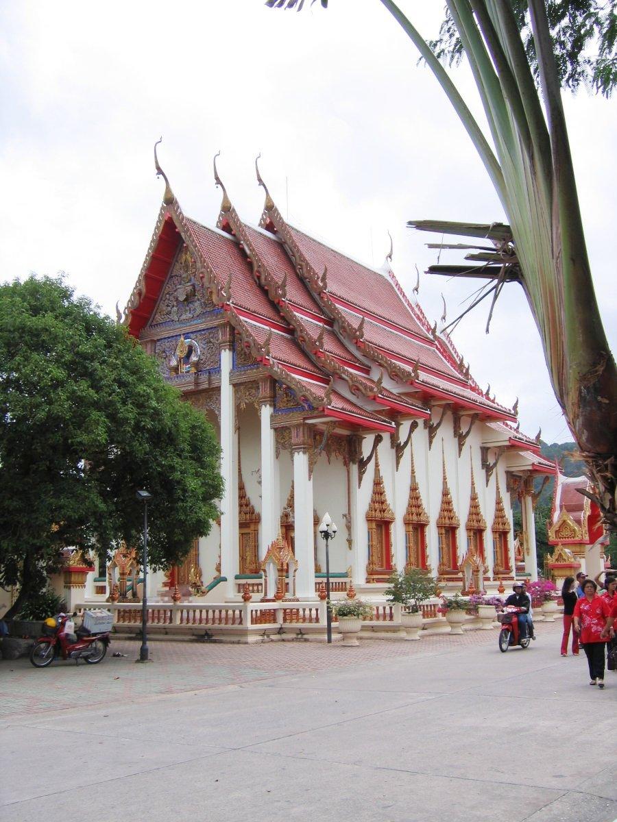 http://de.academic.ru/pictures/dewiki/87/Wat_chalong.jpg